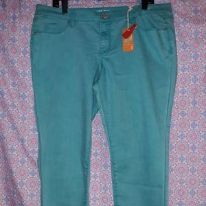 Mossimo Junior Size 17 NWT Teal Jeans